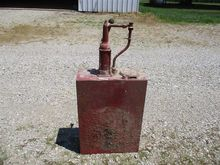 Gulf 308 Oil Tank with Pump