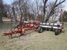 White 5100 12 Row Planter