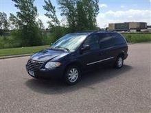 2005 Chrysler Town & Country To