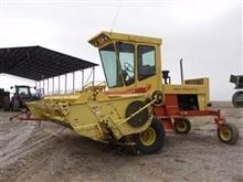 1984 1116 New Holland Swather