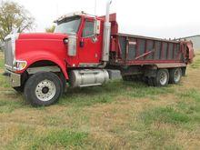2003 International 5900 Truck W