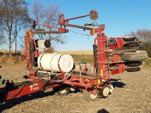 White 5100 8 Row Planter