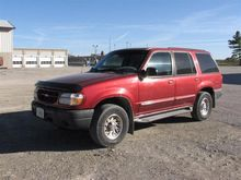 1999 Ford Explorer 4x4 SUV