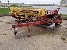New Holland 488 Roller Mower