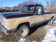 1979 Dodge W-20 Power Wagon 200