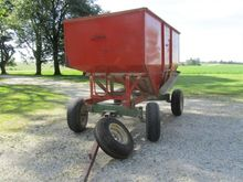 Huskie 225 Grain Cart