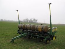 John Deere 7000 6 Row Planter