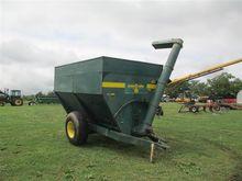 Grain-O-Vator 400 Auger Wagon