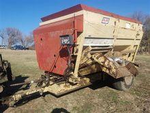 Bmj 3312T Feeder Wagon