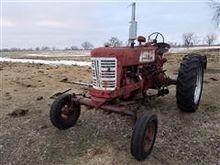 Farmall 400 2WD Tractor