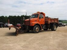 2002 Sterling L7501 S/A Plow/Tw