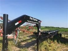 2016 Hay Express 8 Bale T/A Tra
