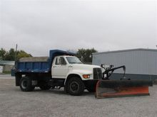 1995 Ford F800 Dump and Plow Tr