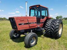 International 5288 2WD Tractor