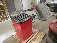 Snap-On EEWB304A Wheel Balancer