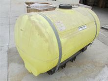 Snyder Poly Tank With Saddle