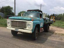 1971 Ford F500 Dump Truck