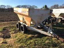 Willmar 500 Dry Fertilizer Spre