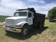 1991 International 4900 T/A Dum