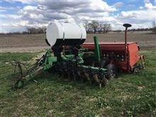 Case IH 5400 Drill On Great Pla