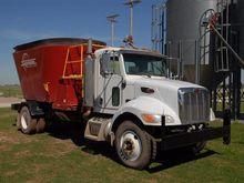 2006 Peterbilt 335 Feed Truck w