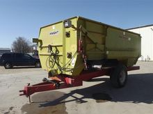 Knight 3700 Feeder Wagon