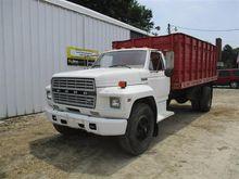1984 Ford F700 S/A Grain Truck