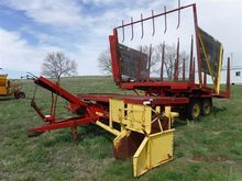 New Holland 1033 Pull Type Bale