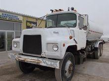1979 Mack DM685 T/A Water Truck