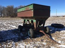 Uft 200 Bushel Gravity Wagon