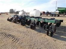 Hawkins RDB21 12 Row Strip Till