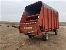 Gehl BU910 Feed  Wagon