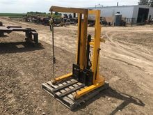 Big Joe 21A50 Manual Forklift