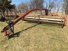 Hesston 1014 Windrower