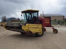 1996 New Holland 2550 Self-Prop