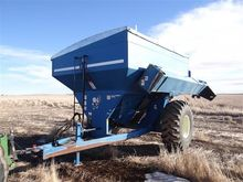 Kinze 450C Grain Cart