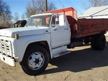 1973 Ford F600 S/A Side Dump Tr