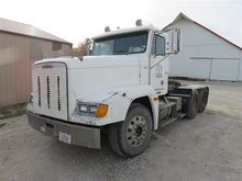 1998 Freightliner Day Cab T/A T