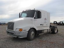 2000 Volvo DDS60 Truck Tractor