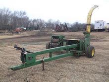 John Deere 3960 Pull-Type Forag