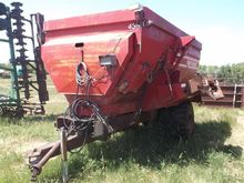 VanDale 435 Feeder Wagon