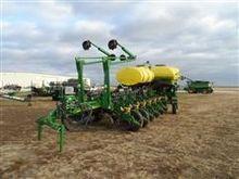 2010 John Deere 1770 NT Planter