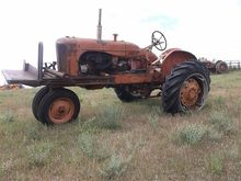 Allis Chalmers WD 2WD Tractor F