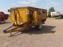 Knight 3130 Feeder Wagon
