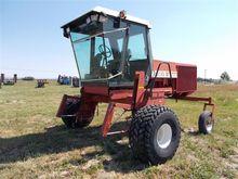 1989 Hesston 8100 Windrower