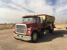 1995 Ford L8000/BJM Bed Feed Tr