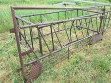 Pipe Cattle Hay Feeder