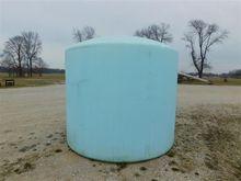 2,500 Gallon Poly Tank