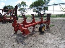 Massey Ferguson 570 Plow