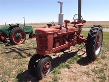 1949 Farmall H 2WD Antique trac